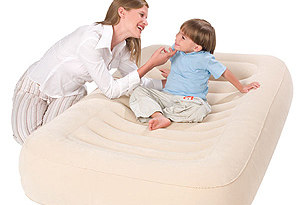 Матрас надувной Bestway 67378 Contoured Children's Air Bed